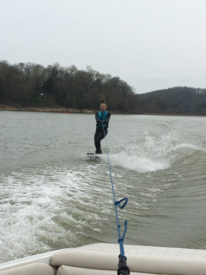 As weather warms, Easterling hits the lake