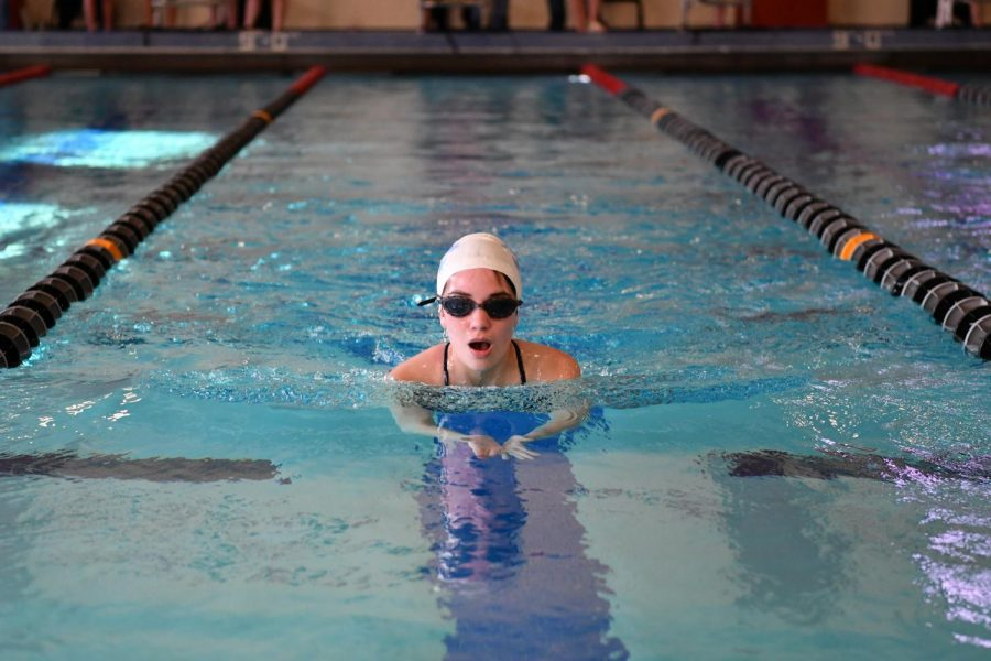 Swim team prepares for conference season